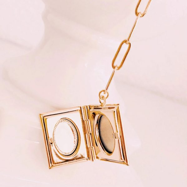 Kette-Medaillon-I-gold